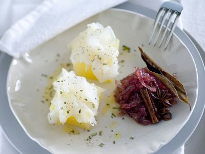 Carpaccio di baccalà, patate e confettura di cipolla