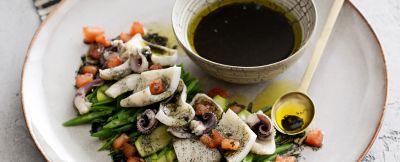 Insalata-seppie- verdure-vinaigrette -nero