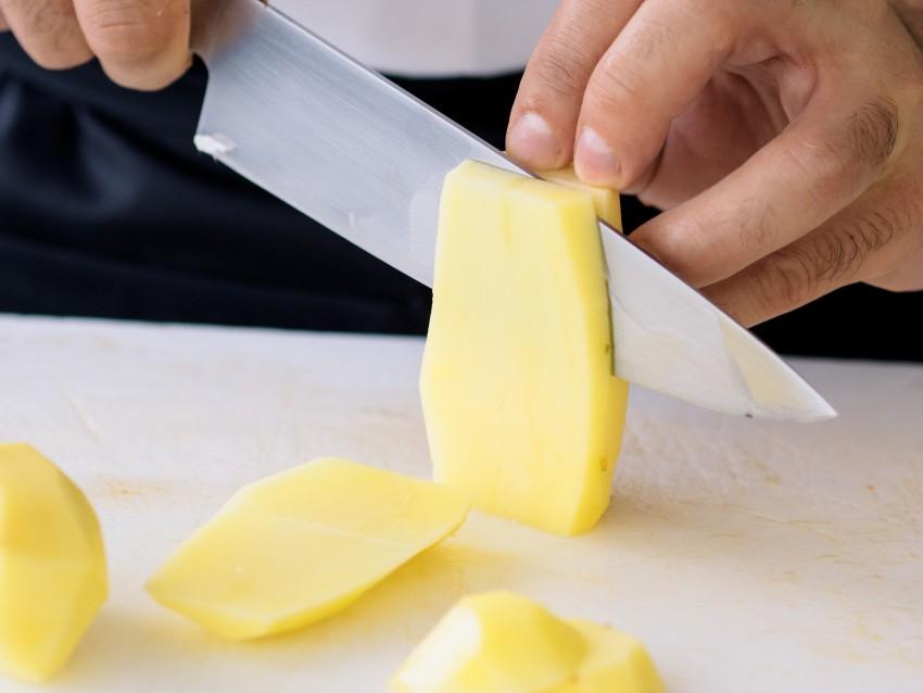 Pizza-peperoni-arrostiti-patate e-robiola-Roccaverano-04