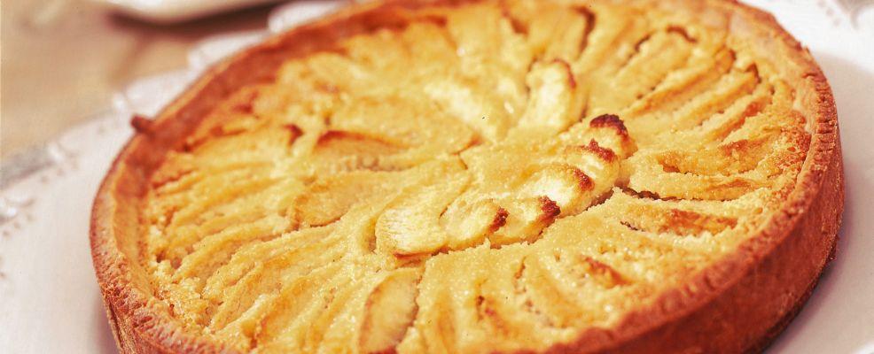 Crostata di mele alle mandorle ricetta Sale&Pepe