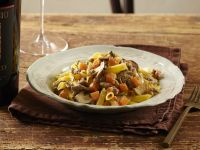 Garganelli al ragù di salsiccia con zucca e funghi ricetta Sale&Pepe