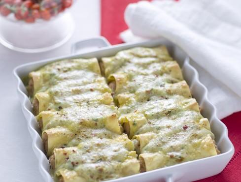 Cannelloni di carne con besciamella agli spinacini