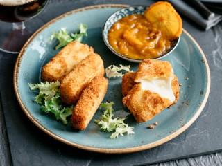 Crocchette di fontina con pane briosciato ricetta Sale&Pepe