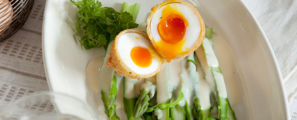 uovo-fritto-asparagi ricetta