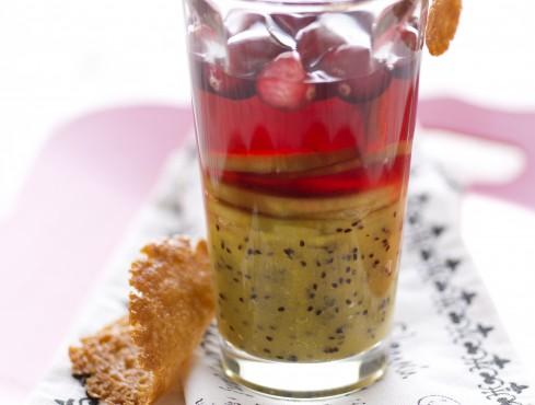 Succo di cranberries con composta di kiwi e cialdine