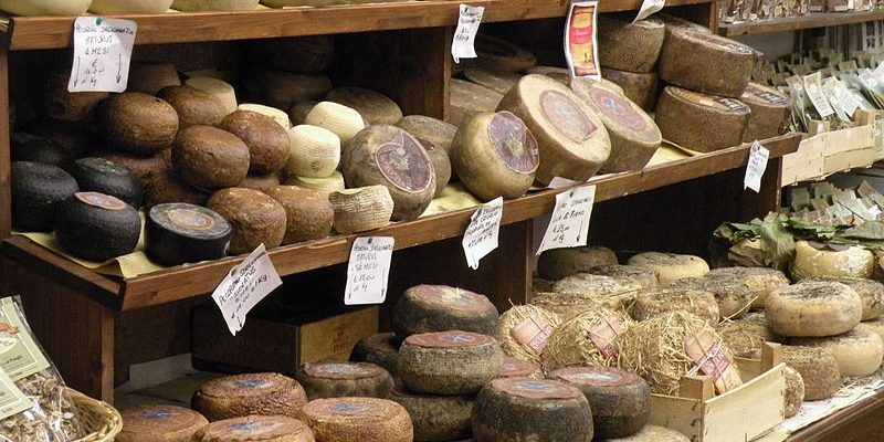 800px-Pecorino_di_Pienza_(selection)