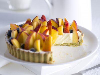 Crostata ai pistacchi con crema e frutta