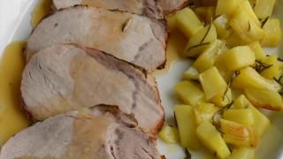 Arrosto di maiale in salsa di limone caramellato con patate al forno