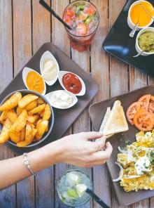 Mangiare lentamente fa dimagrire... e molto altro