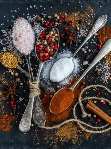 Eliminare i cattivi odori in cucina con erbe officinali e ricambio d'aria