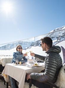 Sci gourmet: nello Stubai pasta fresca sul ghiacciaio e piste aperte fino a maggio