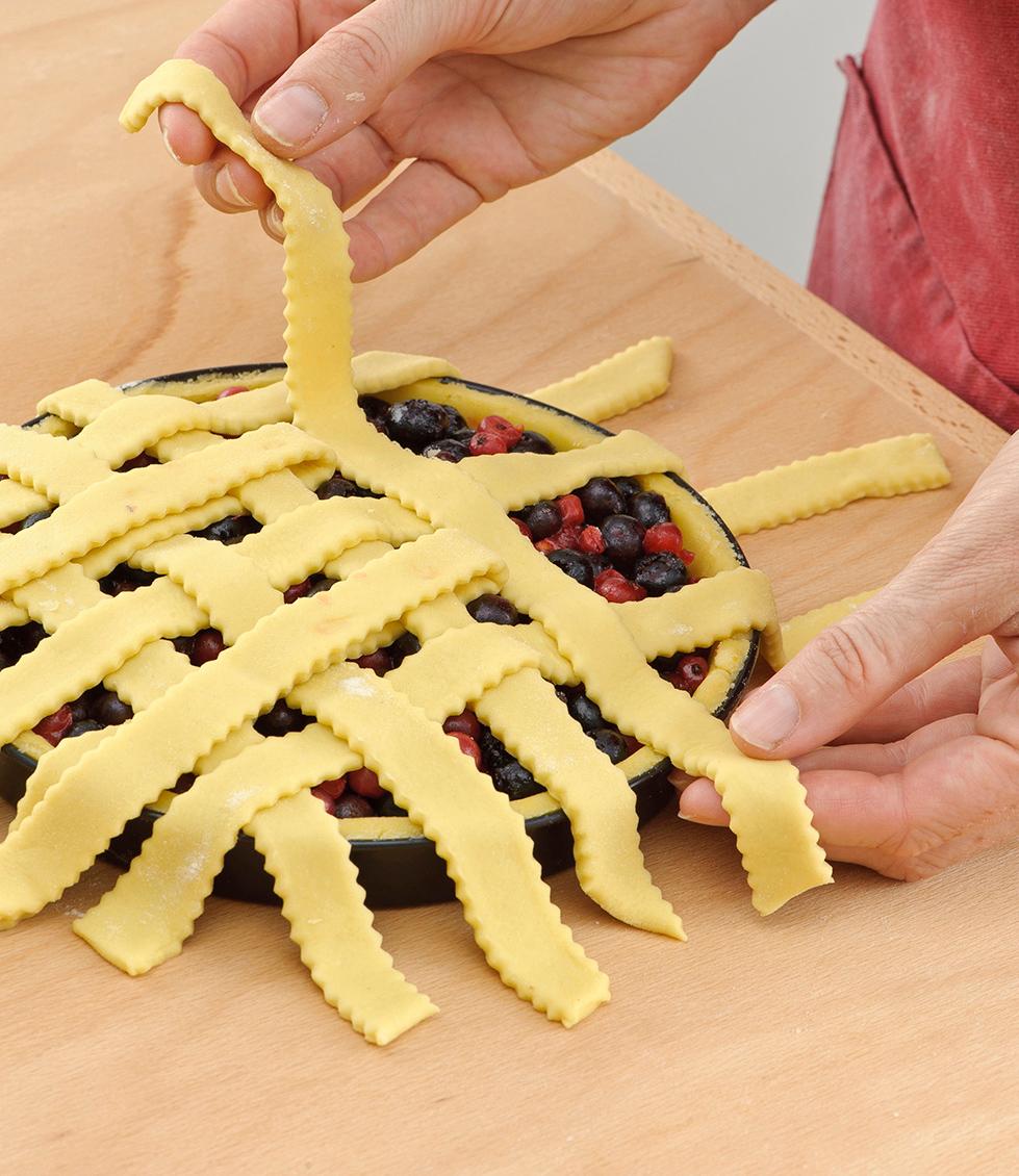 Idee Per Decorare Una Torta come decorare la crostata con le strisce di pasta frolla
