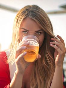 Bionde o no, le donne italiane amano la birra!