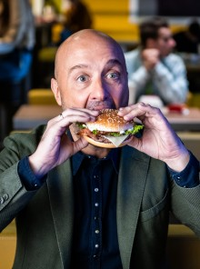 McDonalds valorizza il Made in Italy con una nuova linea di panini firmata da Joe Bastianich
