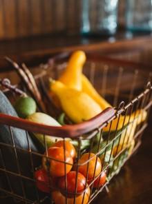 Spesa online e food delivery: acquistare cibo restando a casa