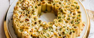 Anello di rigatoni con broccoli, stracchino e mascarpone