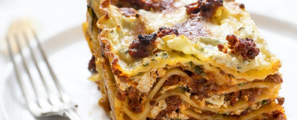 Lasagne ricce al ragù di tre carni e crema di formaggi
