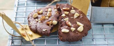 Biscottoni al cacao con le arachidi