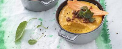 Flan di carote e amaretti alla salvia