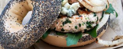 Hamburger di vitello, formaggio erborinato e spinaci