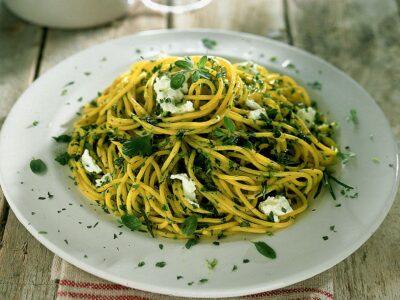Spaghetti con robiola