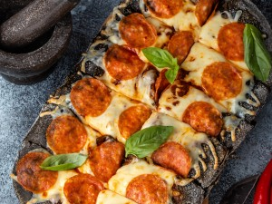 Pepperoni black pizza