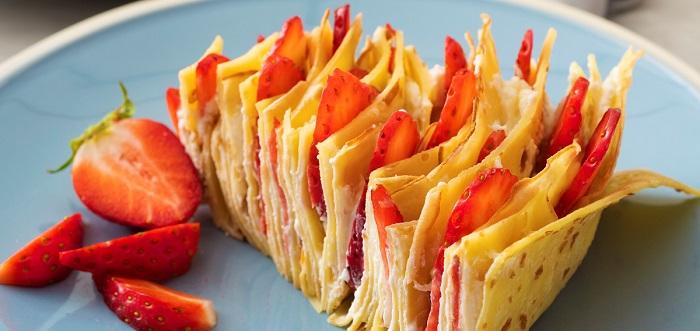 Torta di palacinke alle fragole (SERBIA)