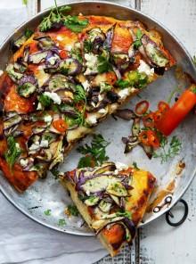 Pizza con melanzane e feta