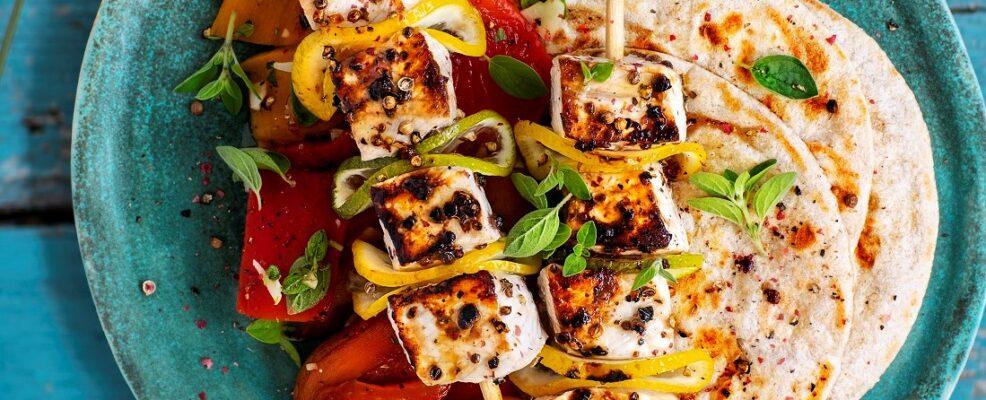 SPIEDINI DI SPADA agli agrumi con peperoni e mini piadine al kam